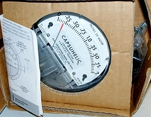 Dwyer Capsuhelic 4002 Pressure Gage - Series 4000