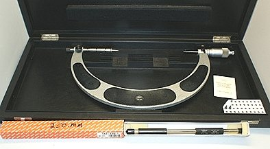 Point Micrometer - Mahr Outside - Carbide Anvils - 200 to 300mm